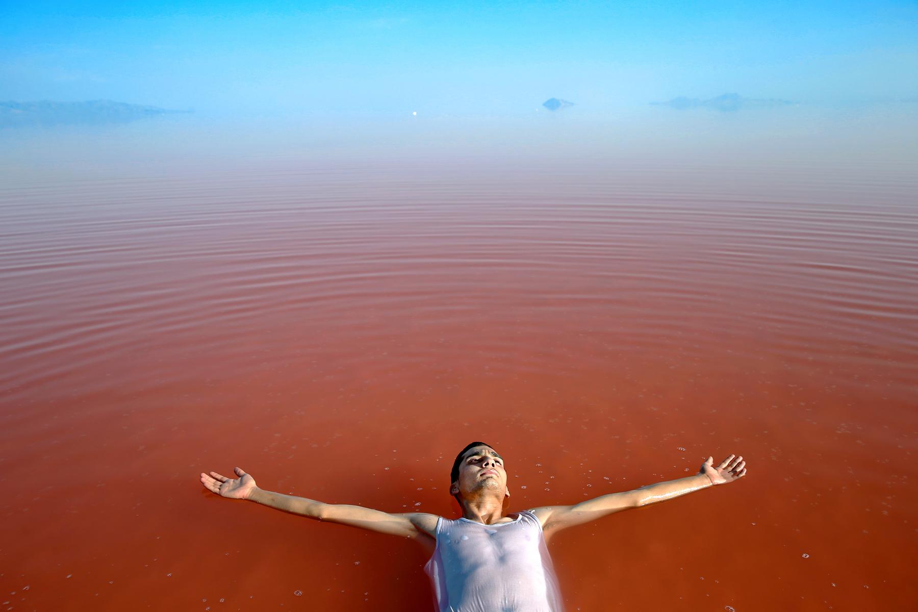 Ebrahim Noroozi, Lake Undecided, c print on photo paper, 80 x 120 cm, 2010